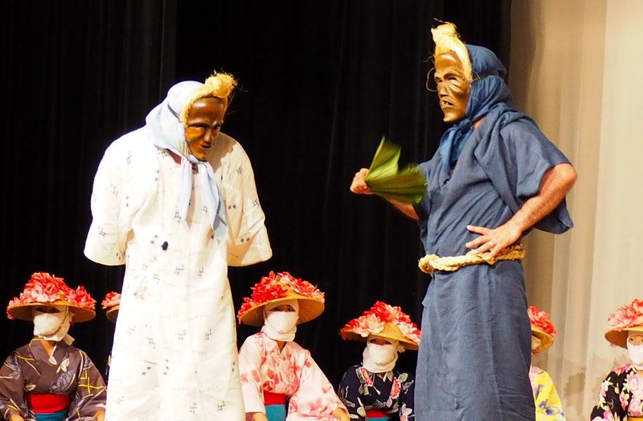 右:ウシュマイ(翁)と左:ンミー(婆)