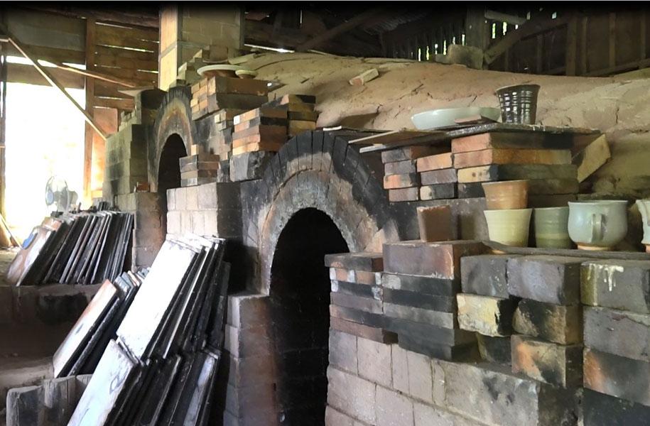 今回の作品はすべて登り窯で焼いた作品です。なんと約50時間もの間、火の番をするのだそうです。