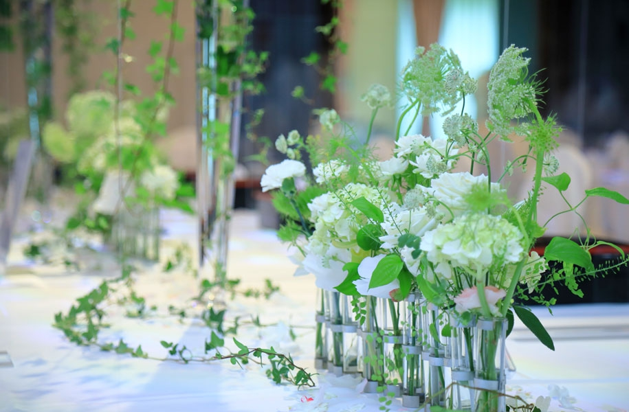 フラワーショップパステル:今回は円卓・長テーブル(晩餐会スタイル)の装花をお願いしました