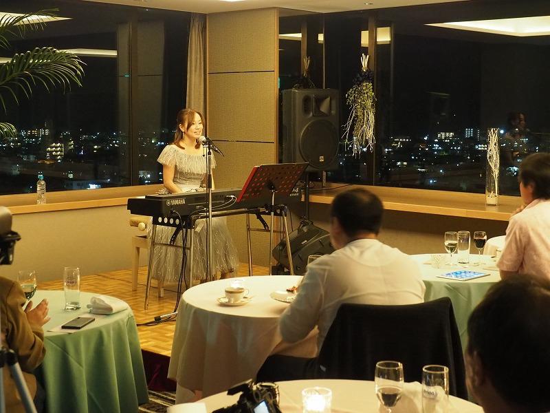 アートホテル石垣島クリスマスディナー&成底ゆう子コンサート2部01