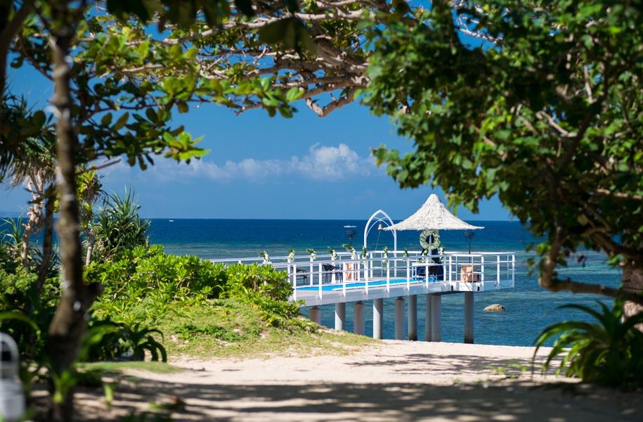 フサキリゾートヴィレッジのビーチからのびる桟橋「エンジェルピア」
