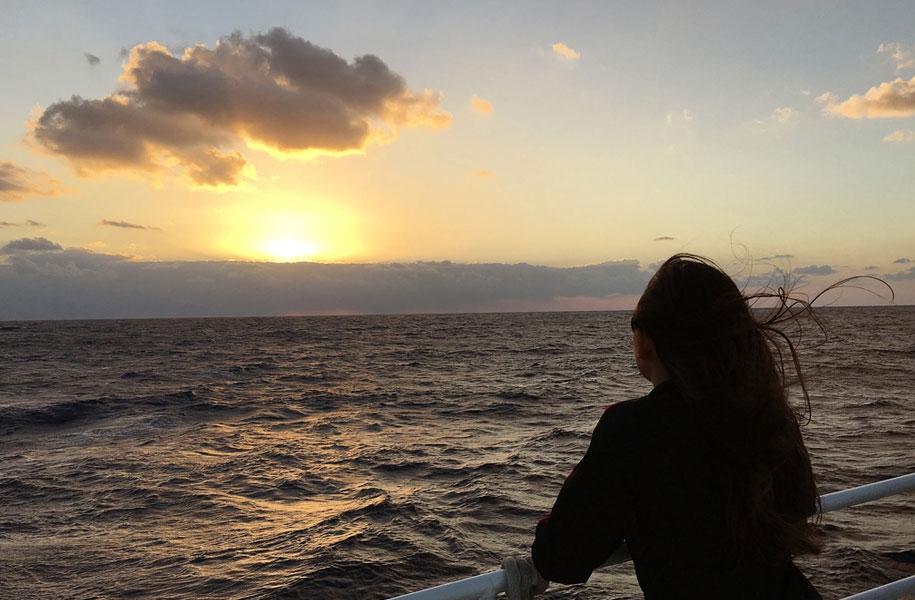 船上から臨む初日の出クルージングツアー