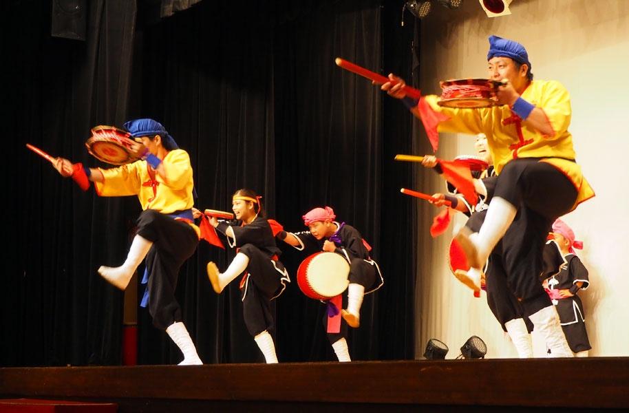 琉球國祭り太鼓の演舞
