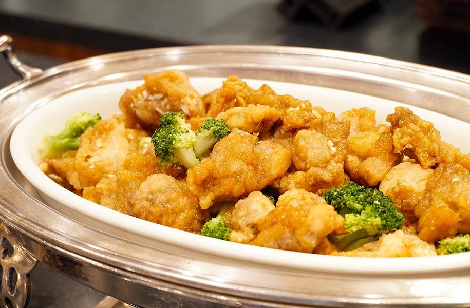 鶏とブロッコリーの油淋ソース炒め(昼・夜)