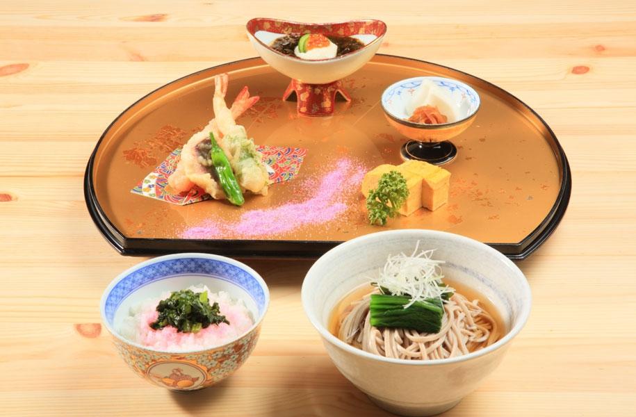 天婦羅と温かい蕎麦セット(1,480円)
