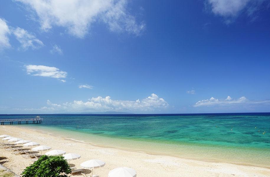 天然の美しいフサキビーチ