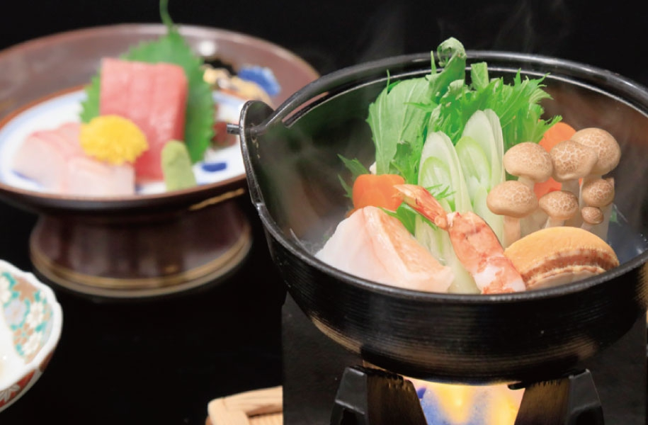 魚介と野菜がたっぷり味わえる海鮮鍋で心も体もあたたかく