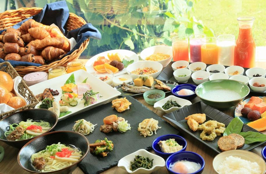 朝食付きプランなので、ビュッフェでしっかり食べてから観光へGo!