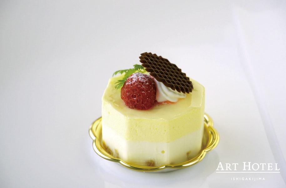 爽やかなレモンの風味広がるシトロンフロマージュ。レモンとチーズの相性バッチリな季節のケーキです。