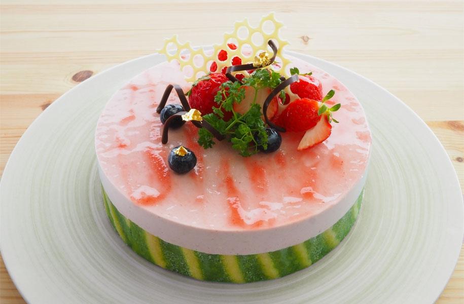「春音~はるおと~」はホールケーキもご用意できます。(4,000円/前日18時までの要予約)ご入学祝にピッタリです。